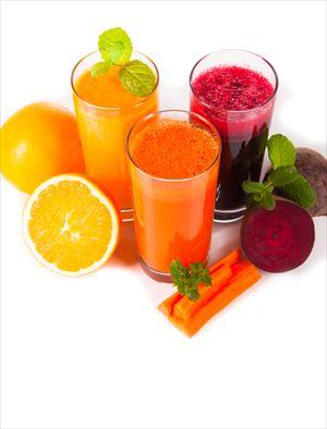 断食中の野菜ジュース