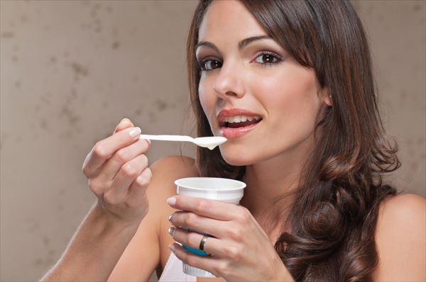 ヨーグルトを食べる便秘解消