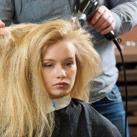 便秘で髪の毛がパサパサ